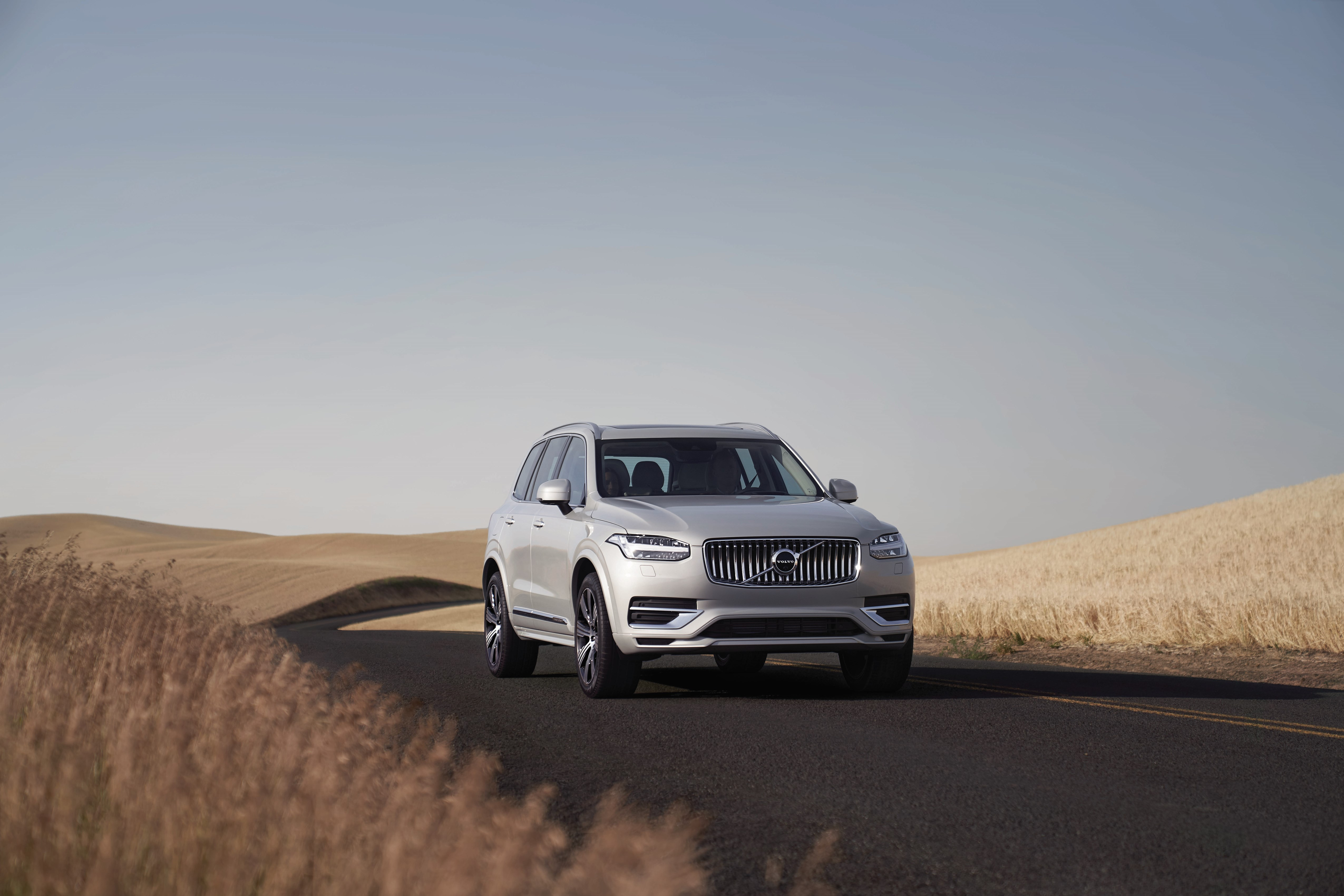 271310_Volvo_Cars_XC90_Recharged.jpg