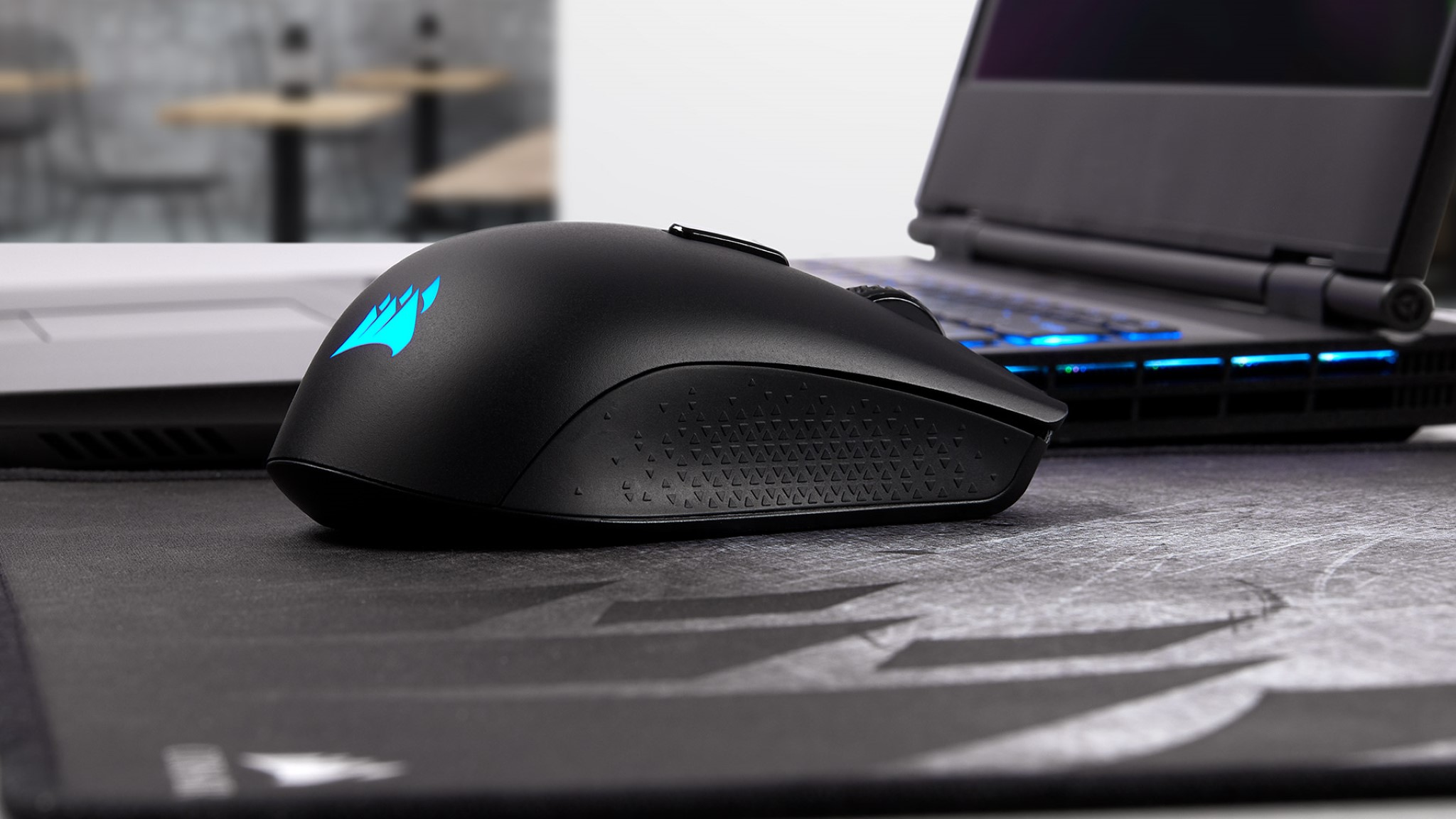 Corsair Harpoon RGB Wireless (2).jpg