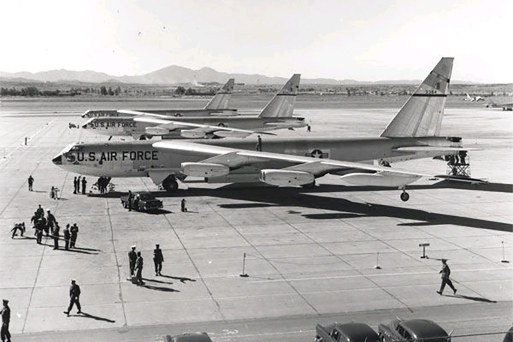 B-52B in Power Flite.jpg