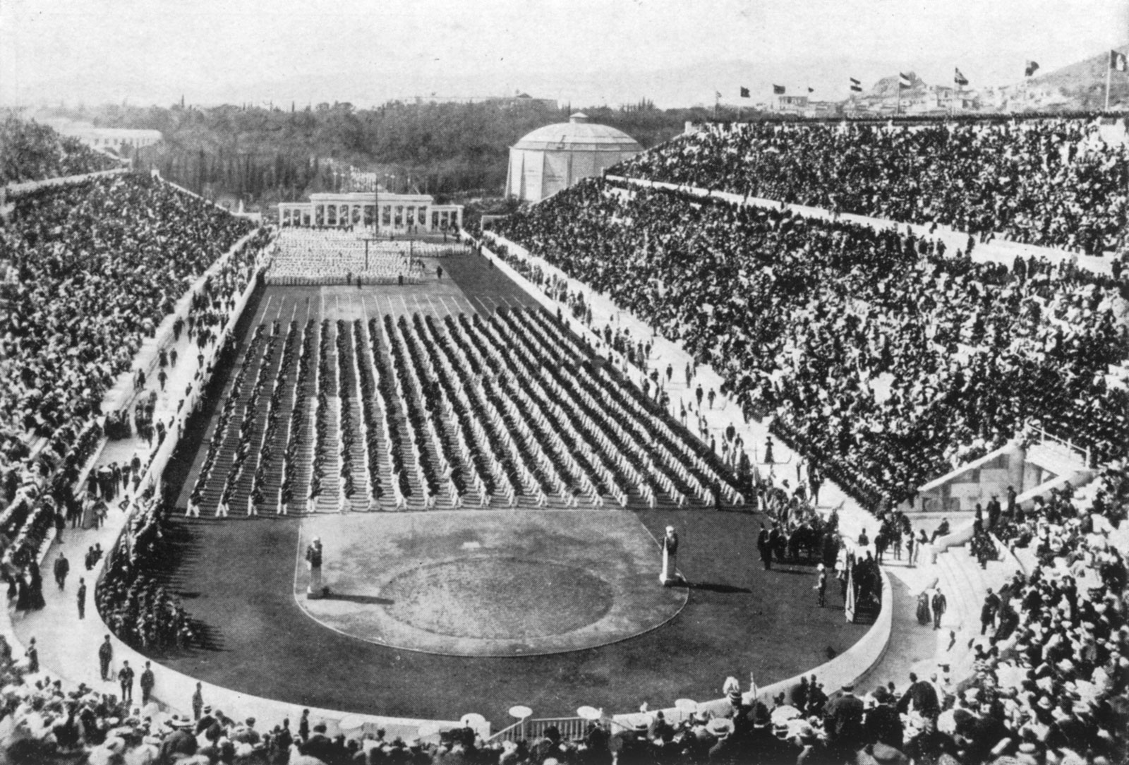 tinhte_marathon_Panathenaic-Stadium-athletics-events-Athens-1896-Olympic-1896.jpg