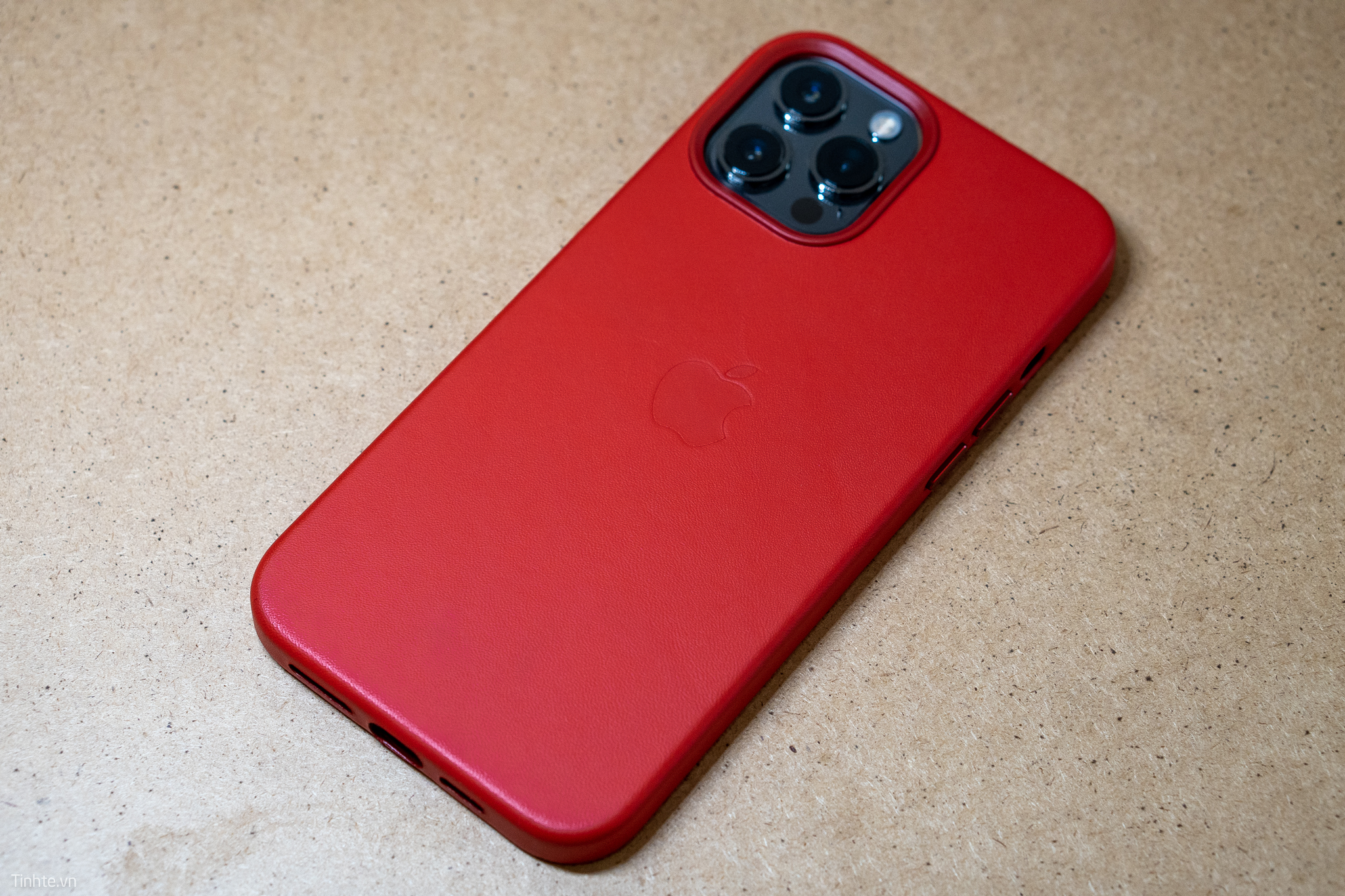 5272991_apple-red-leather-case--11.jpg