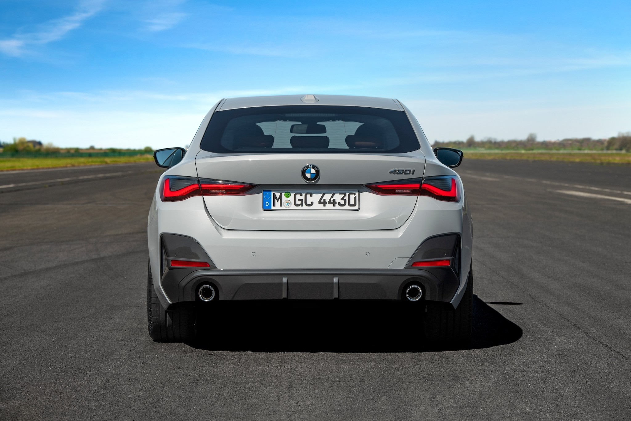 P90424593_lowRes_the-all-new-bmw-430i.jpg