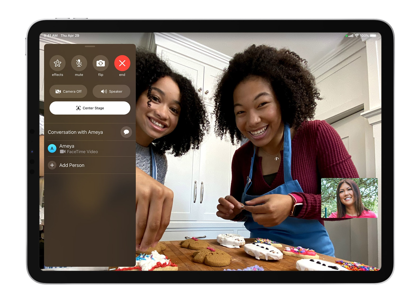 ios14-ipad-pro-facetime-center-stage-setting-on.jpg